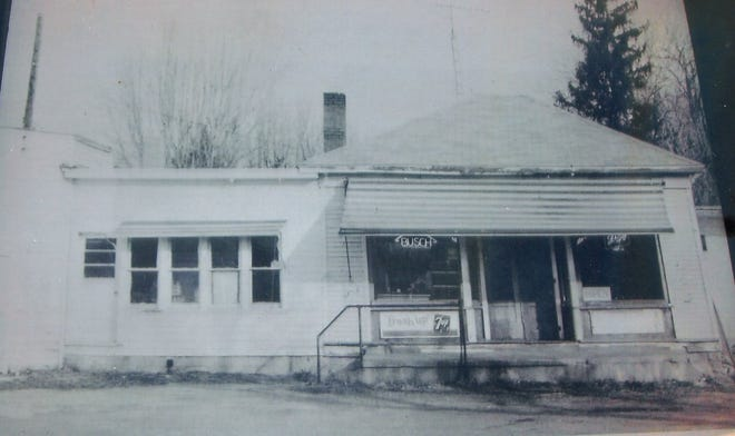 The Ballville E-Z Shop has long been located at the north end of the Ballville Bridge.