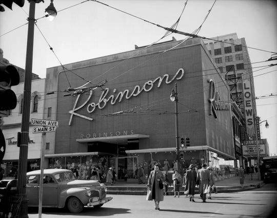 Robinson's on the corner of Main and Union in Memphis, in February 1954.