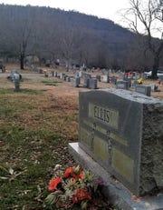 Victor Ellis's tombstone.