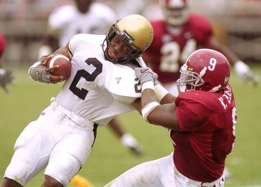 Alabama linebacker Victor Ellis makes a tackle against Vanderbilt during his playing career with the Tide from 1998-2001.