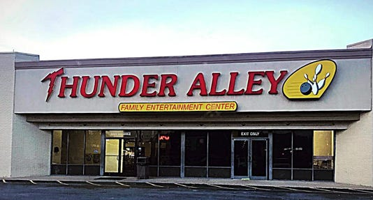 Thunder Alley 01