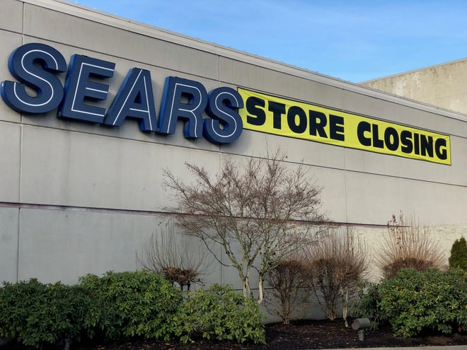 Salem's Sears at the Willamette Town Center is closing after a final day of sales on Jan. 6, 2019.