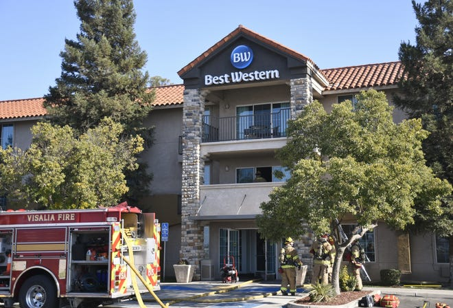 From Exeter to Lindsay to Visalia,hotels and motels alike had few openings for evacuees,and rooms are filling up quickly.