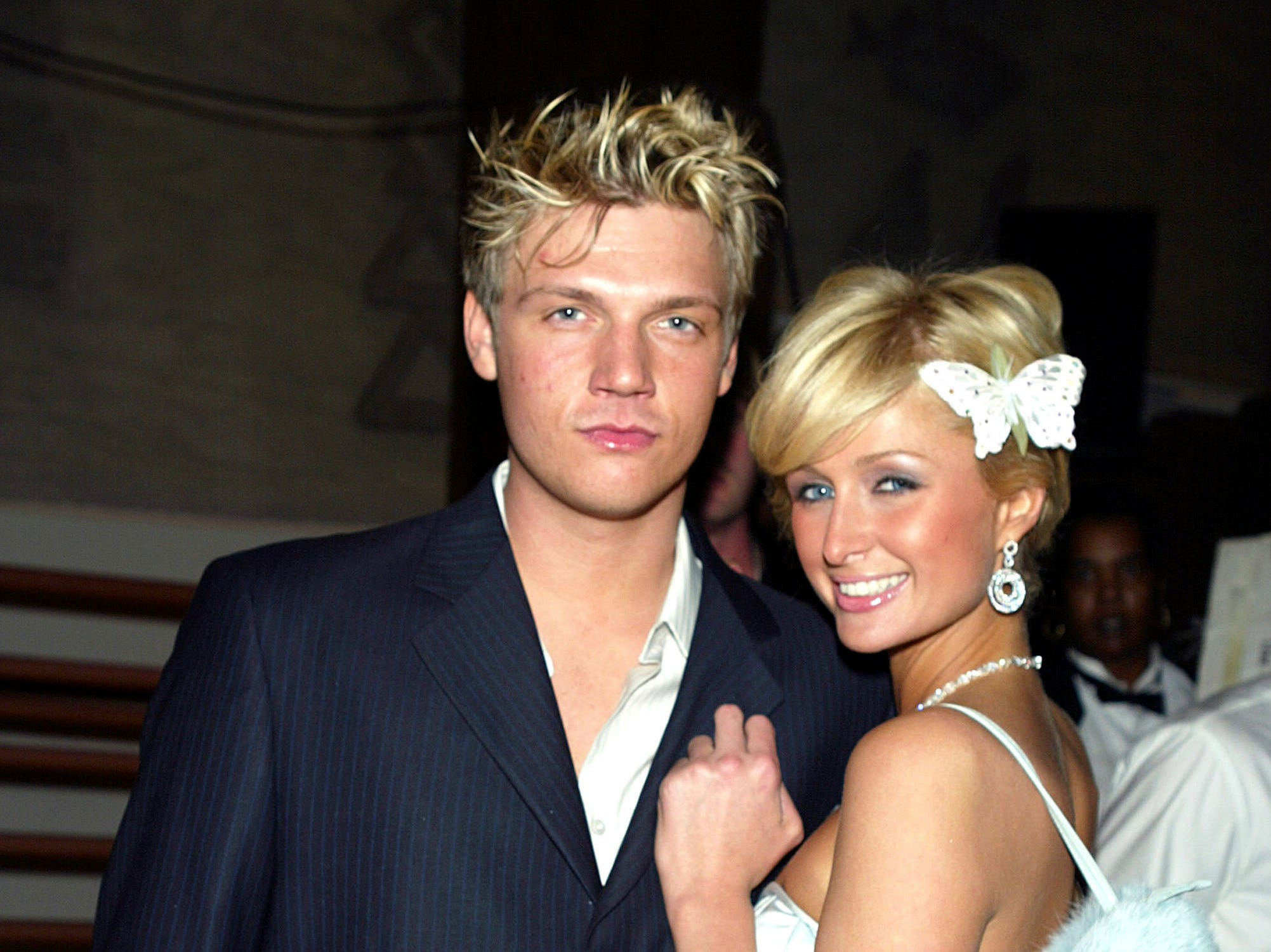 Singer Nick Carter (L) and Paris Hilton arrive at the Miramax Golden Globes After-Party at Trader Vics. --- DATE TAKEN: 1/25/2004  By Kevin Winter   Getty Images    Beverly Hills  CA  UNL    - unlimited reuse   ORG XMIT: ZX13436