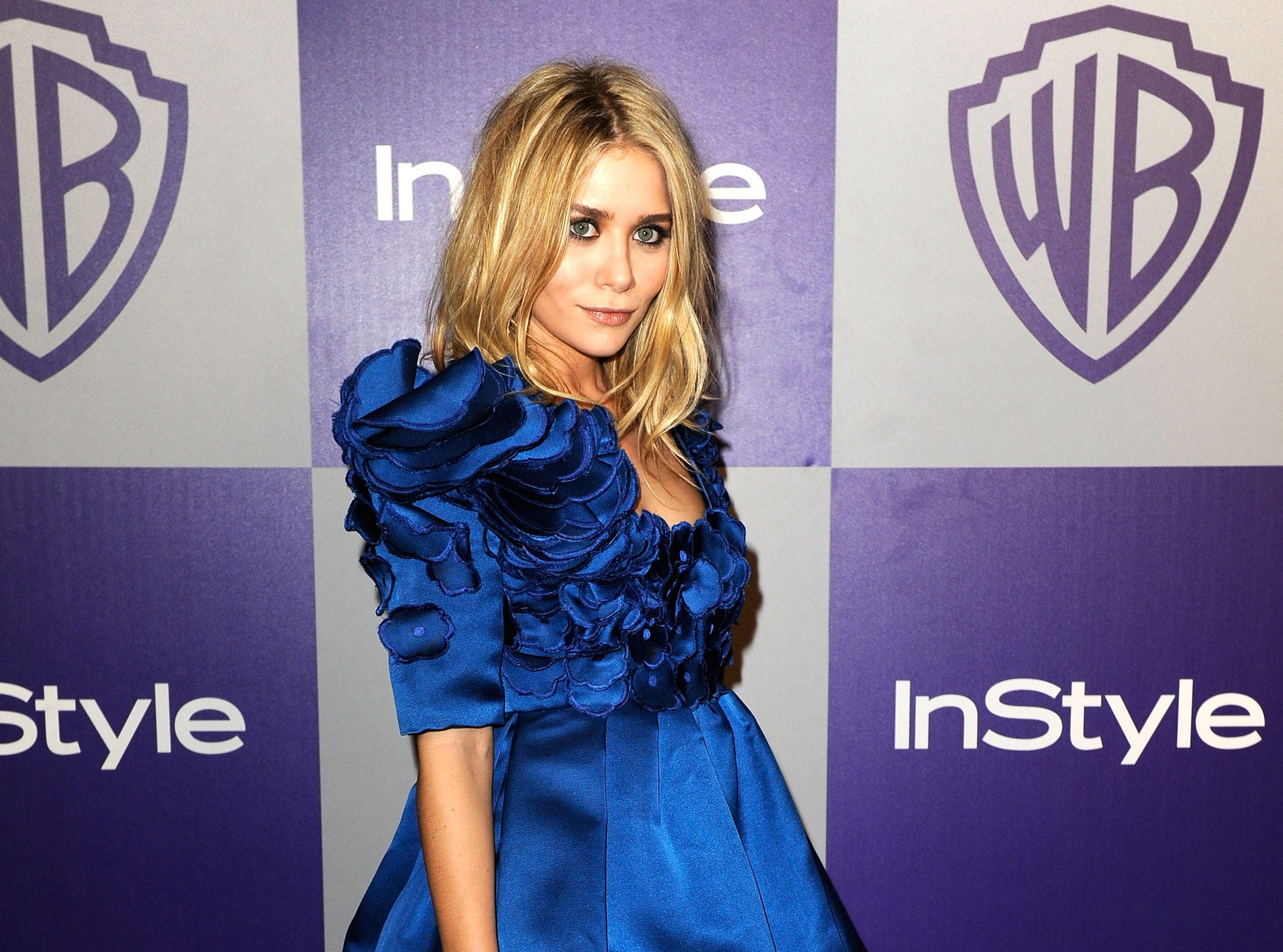 BEVERLY HILLS, CA - JANUARY 17: Actress Ashley Olsen arrives at the InStyle and Warner Bros. 67th Annual Golden Globes after party held at the Oasis Courtyard at The Beverly Hilton Hotel on January 17, 2010 in Beverly Hills, California.  (Photo by Kevork Djansezian/Getty Images) ORG XMIT: 95654913 GTY ID: 0059316598.jpg