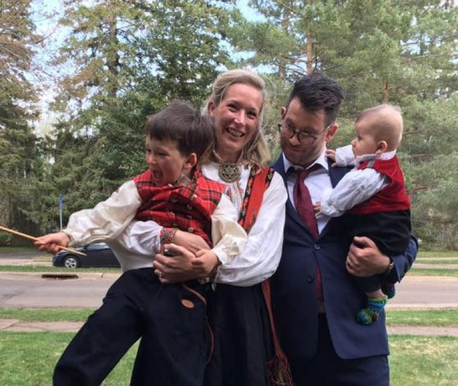 The authors in Duluth, Minnesota, with their sons Espen (left) and Vidar (right). May, 2018.