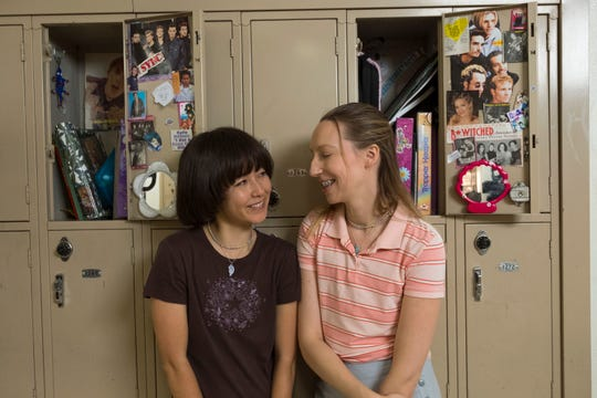 Maya (Maya Erskine, left) and Anna (Anna Konkle) navigate seventh grade together in Hulu's 'PEN15.'
