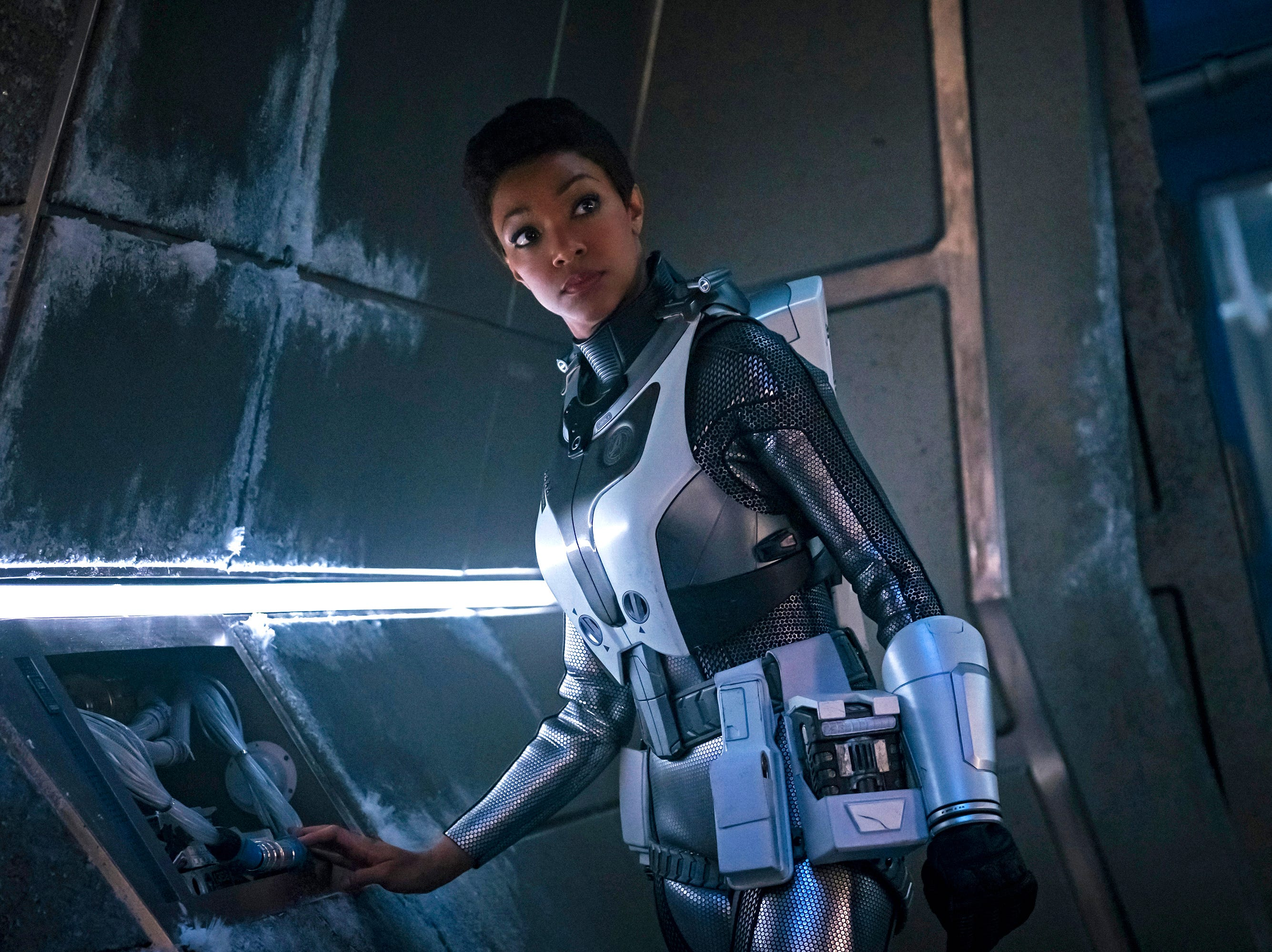 """Brother"" -- Episode 201-- Pictured: Sonequa Martin-Green as Burnham of the CBS All Access series STAR TREK: DISCOVERY."