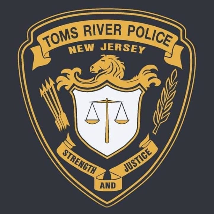 Toms River police officer hurt in crash in Lakewood