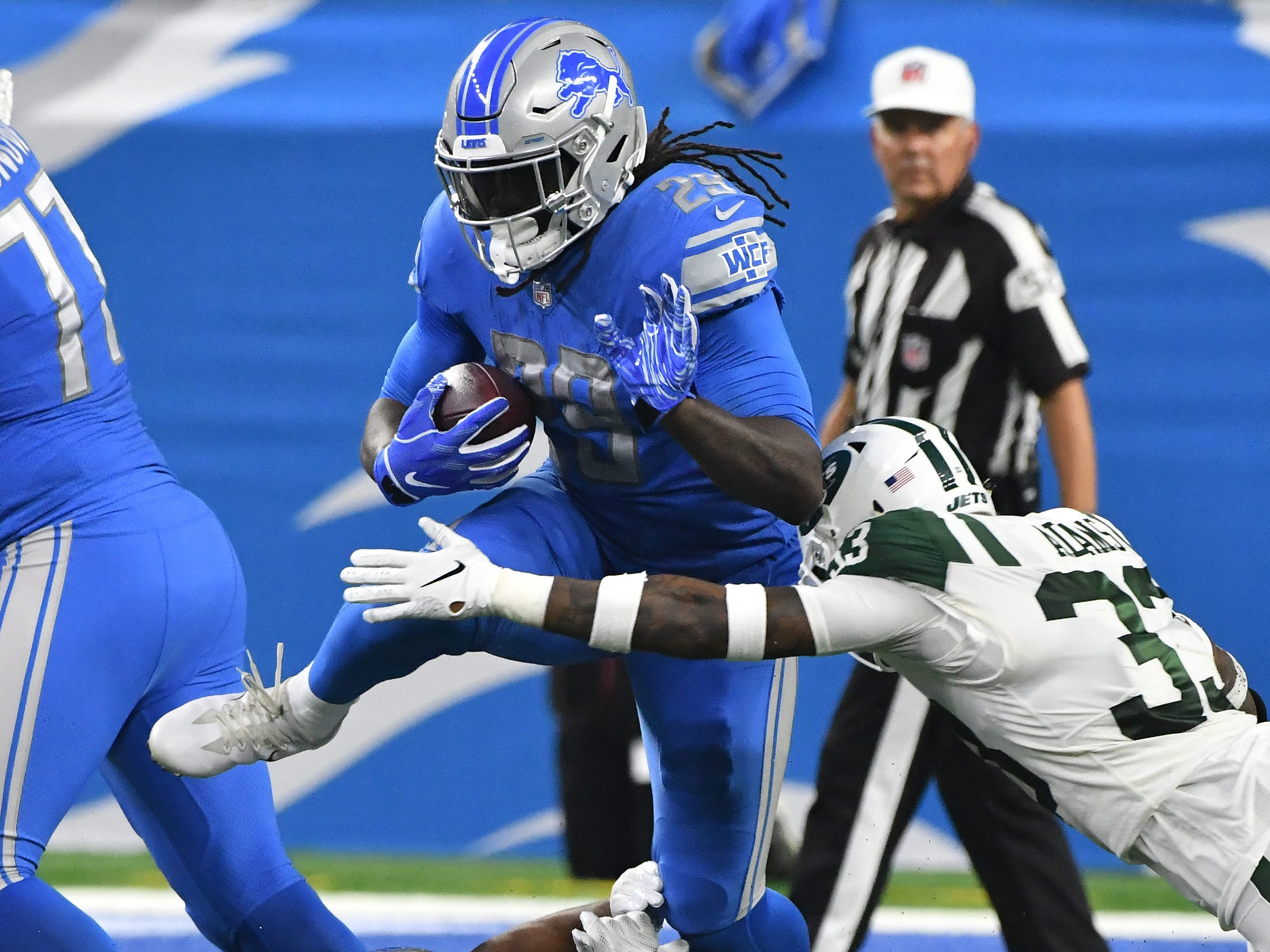 RB LeGarrette Blount : A free-agent miscalculation, Blount wound up one of the season's biggest disappointments. Unquestionably the worst year of his nine-year career, he averaged just 2.7 yards per carry and wasn't the short-yardage force the Lions had hoped. Of his 154 carries, only 25 resulted in first downs. Grade: F