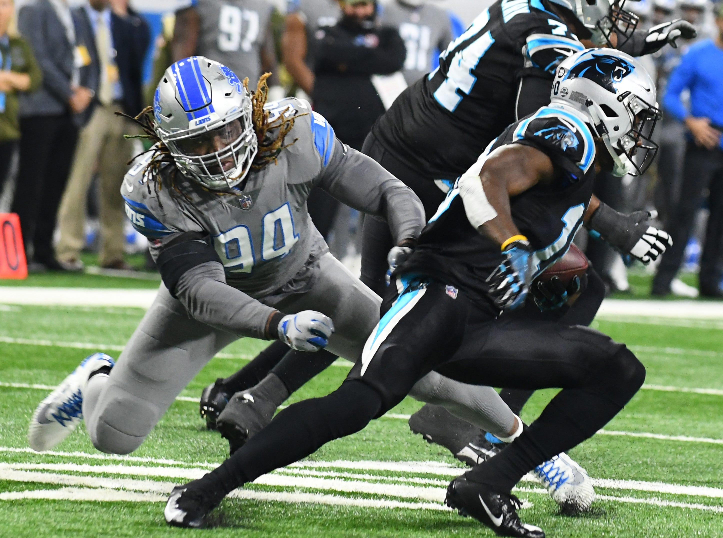 DEFENSE DE Ziggy Ansah : The Lions paid a lot of money for another season of Ansah, and when he was on the field, you could see why. He played just 146 snaps, but managed to generate 20 quarterback pressures and four sacks. No one else on the roster was able to disrupt the pocket like that. But predictably, the former Pro Bowler's season was cut short by injury, leaving the team and fans to wonder what could have been. Grade: B