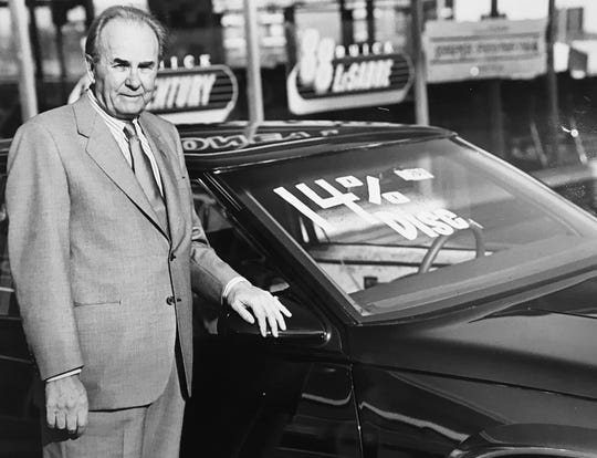 Bob Catterson's face and his memorable voice were recognizable to television viewers from his commercials for new cars.