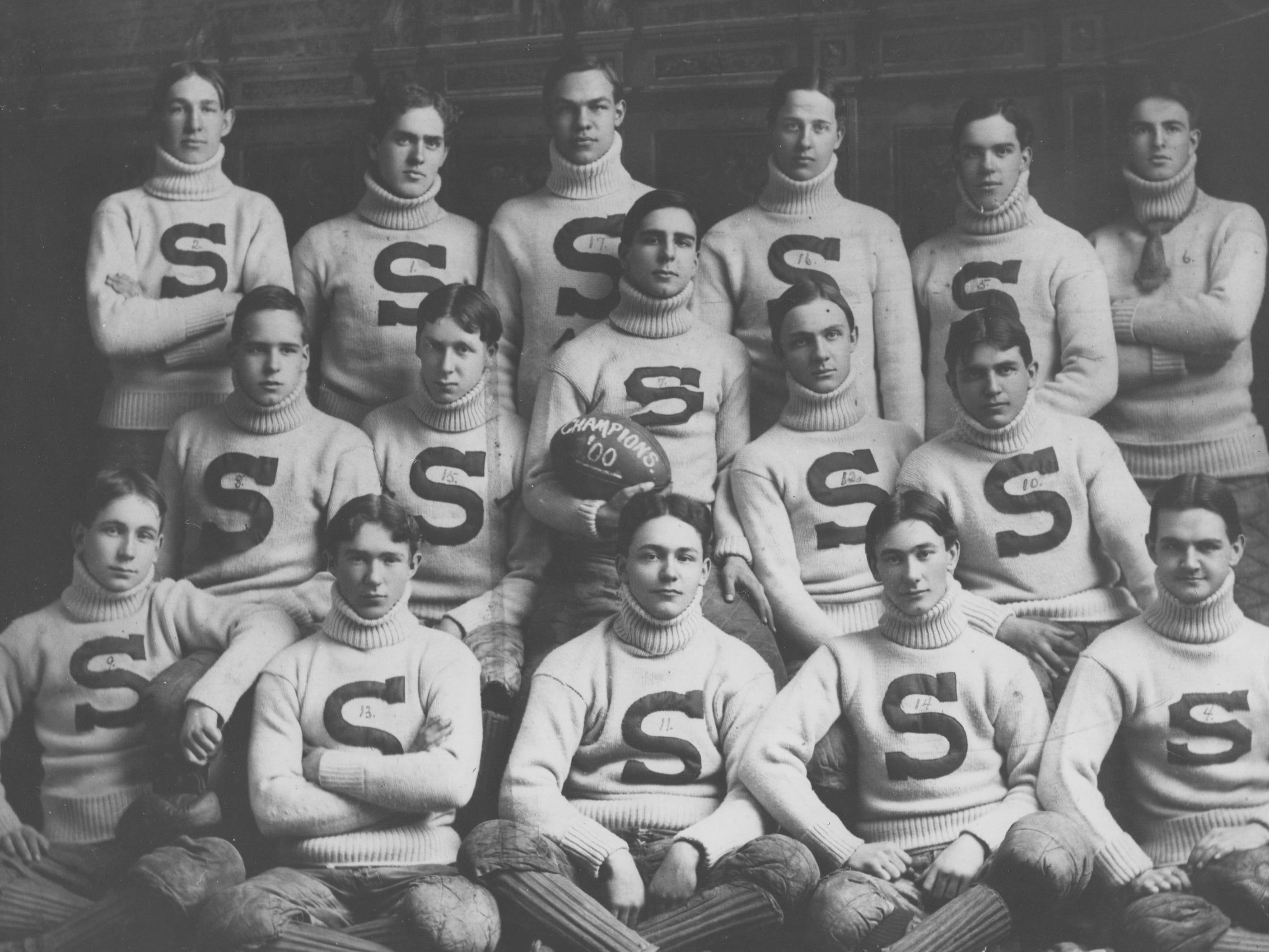 Shortridge High School football team in 1900.