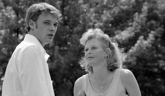 Knoxville born actor Brad Renfro talks with his mother Angel Olsen outside of the juvenile center on Division St. in Knoxville after a drug possession hearing in July of 1998.