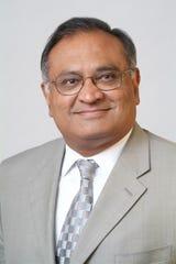 McLaren Greater Lansing Cardiothoracic surgeon, Divyakant Gandhi, MD, FACS, FRCS.