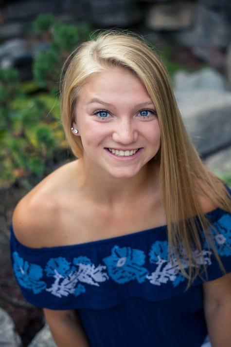 Josie Headshot Picture