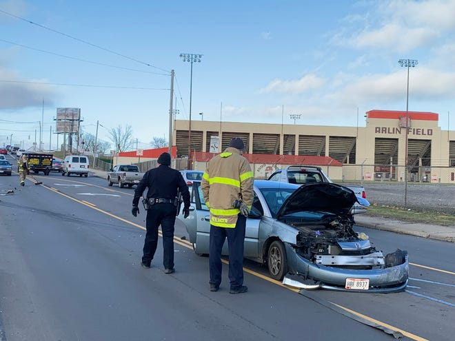 One person was injured in a crash involving three vehicles Thursday afternoon in Mansfield, Jan. 3, 2019.