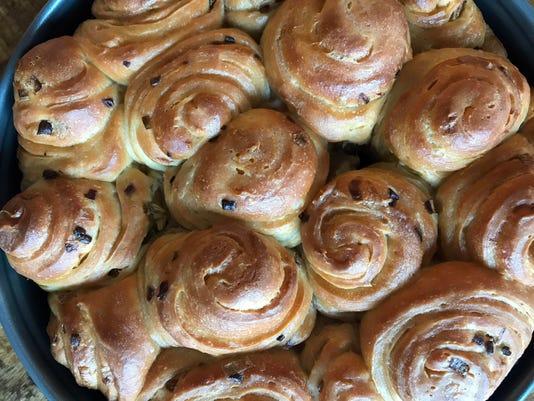 tallgrass09-baked rolls close up