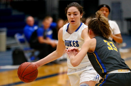 Whitefish Bay's Ellie Clements scored 30 points on Friday night.