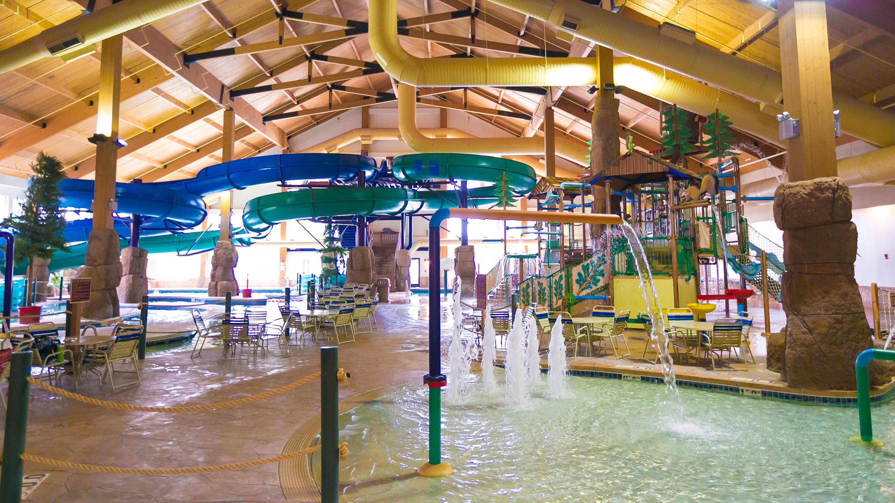 Wisconsin Indoor Waterparks Provide A Dose Of The Tropics In Winter