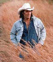 David Lee Murphy is just one of dozens of singers who rose to prominence in country music in the 1990s.