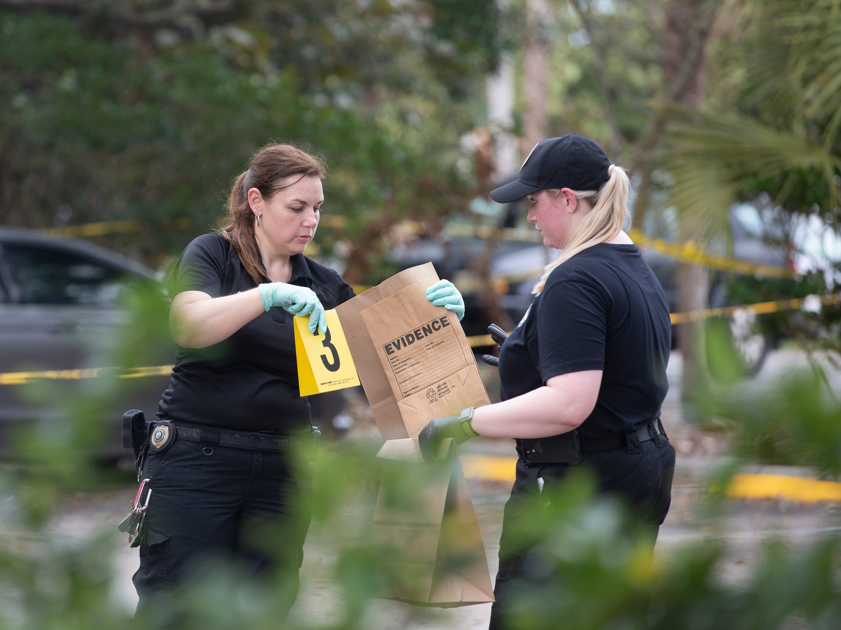 Collier County Sheriff's Office investigate a homicide, Thursday, Jan. 3, 2019, at a condominium complex in the 4000 block of Golden Gate Parkway near Collier Boulevard.