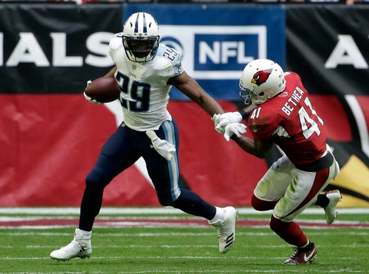 13c105b20ae Tennessee Titans running back DeMarco Murray (29) during the second half of  an NFL football game against the Arizona Cardinals