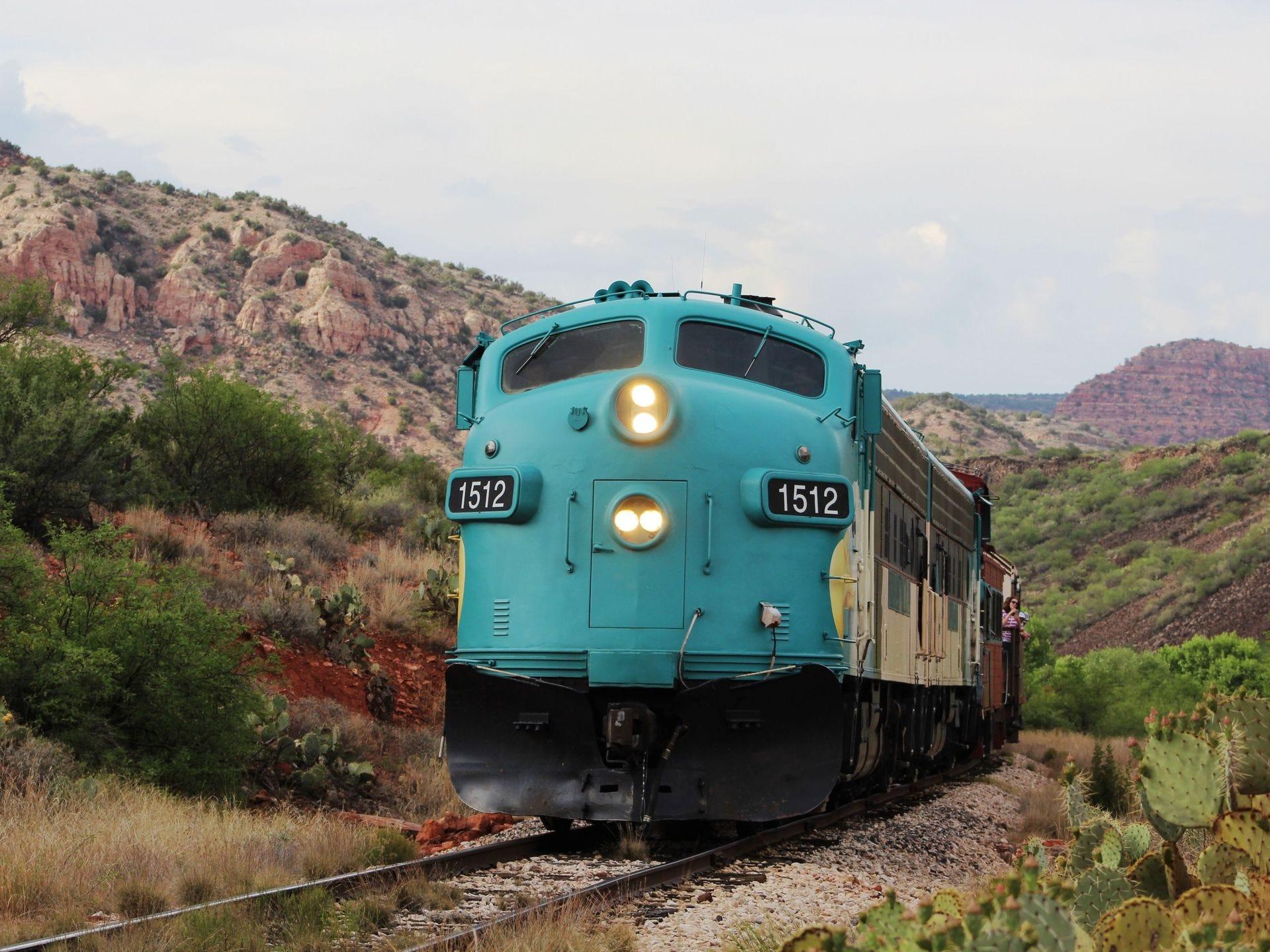 Las locomotoras diésel vintage FP7 proporcionan el poder para Verde Canyon Railroad.