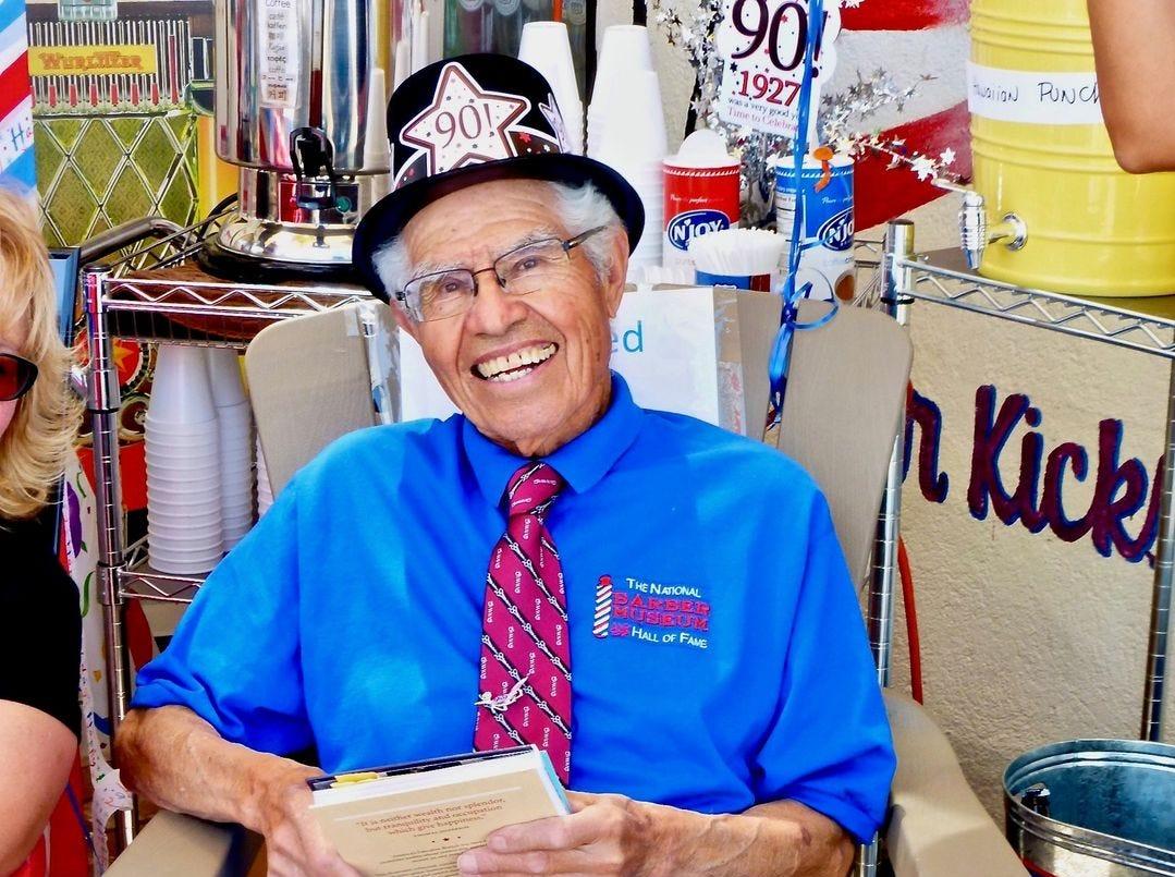 Acreditado con el inicio del movimiento de preservación de la Ruta 66, Angel Delgadillo de Seligman celebró su cumpleaños número 90 en 2017.