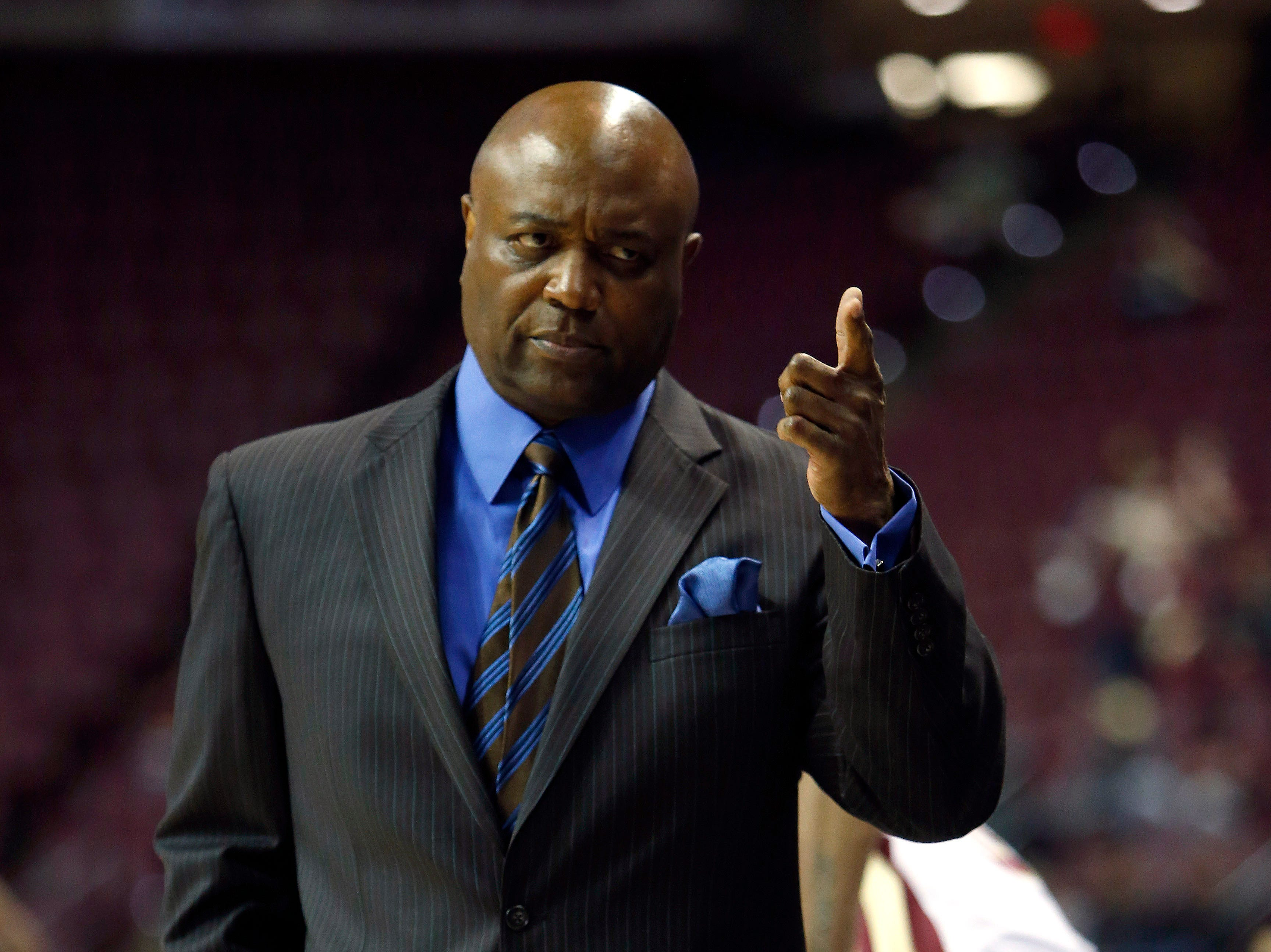 Dec 19, 2018; Tallahassee, FL, USA; Florida State Seminoles head coach Leonard Hamilton coaches up his team against the North Florida Ospreys at Donald L. Tucker Center during the first half of play. Mandatory Credit: Glenn Beil-USA TODAY Sports