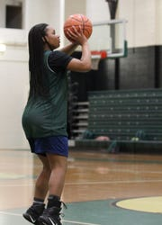 Lincoln sophomore Erin Turral practices on Wednesday, Jan. 2, 2019. Turral posted 53- and 60-point scoring games during holiday tournaments.
