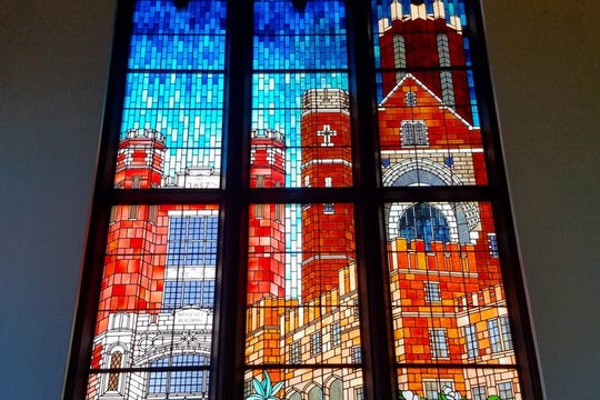 In 1997, working with a concept by the late Ivan Johnson, AIA, the Bischoffs  created the stunning, leaded glass centerpiece in FSU's Dodd Hall.