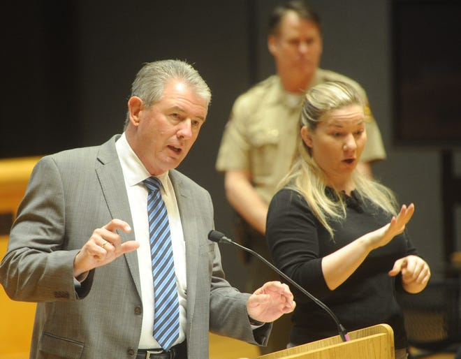 Former Ventura County Sheriff Geoff Dean speaks at a public forum Thursday on the Conejo Valley Victims Fund. Nadia Talley (right) interprets through sign language. The fund has raised over $2 million for victims of the Nov. 7 shooting at the Borderline Bar & Grill. The forum was held at Scherr Forum inside the Thousand Oaks Civic Arts Plaza.