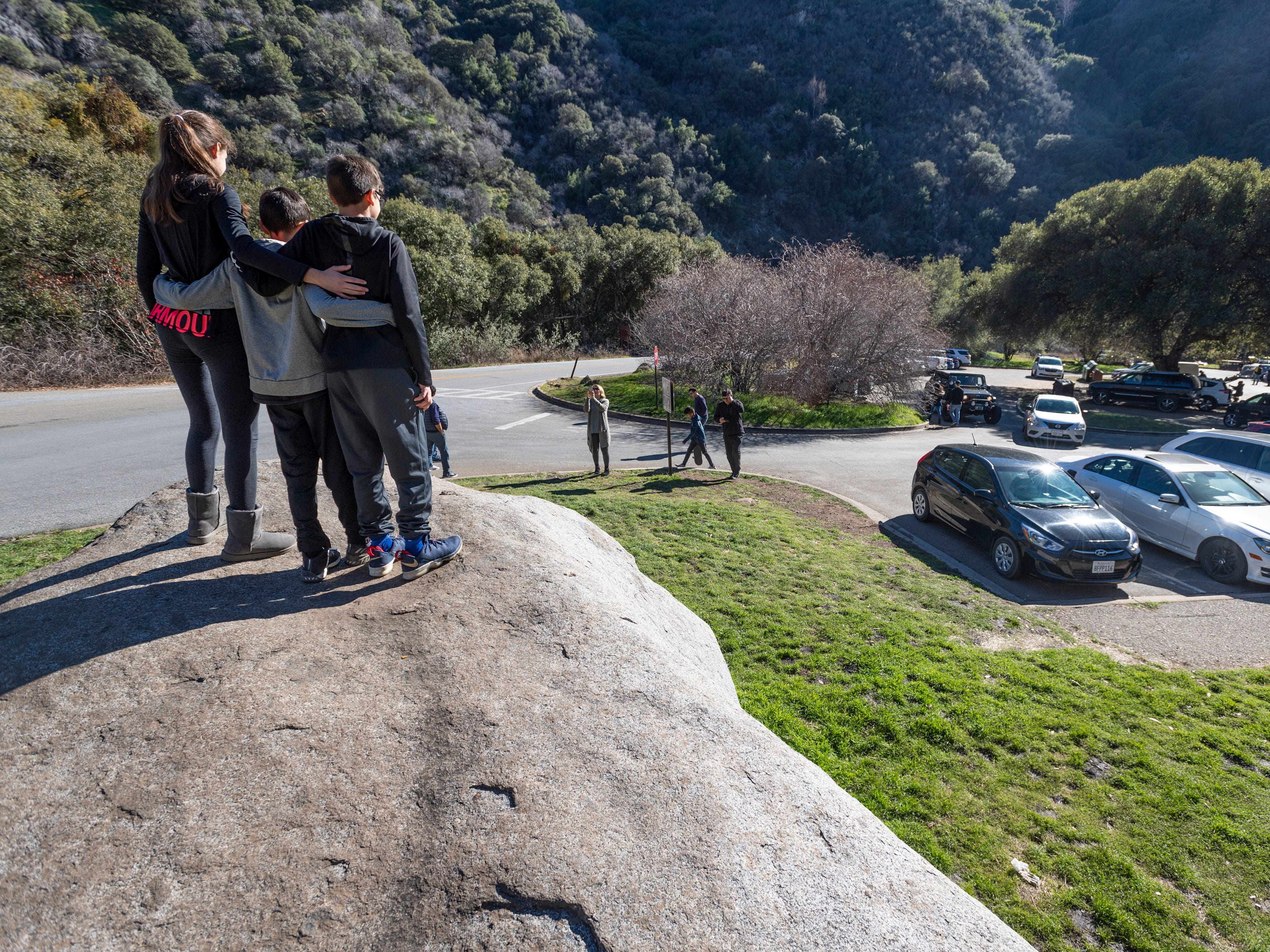 UPDATE: Sequoia, Kings Canyon parks reopen