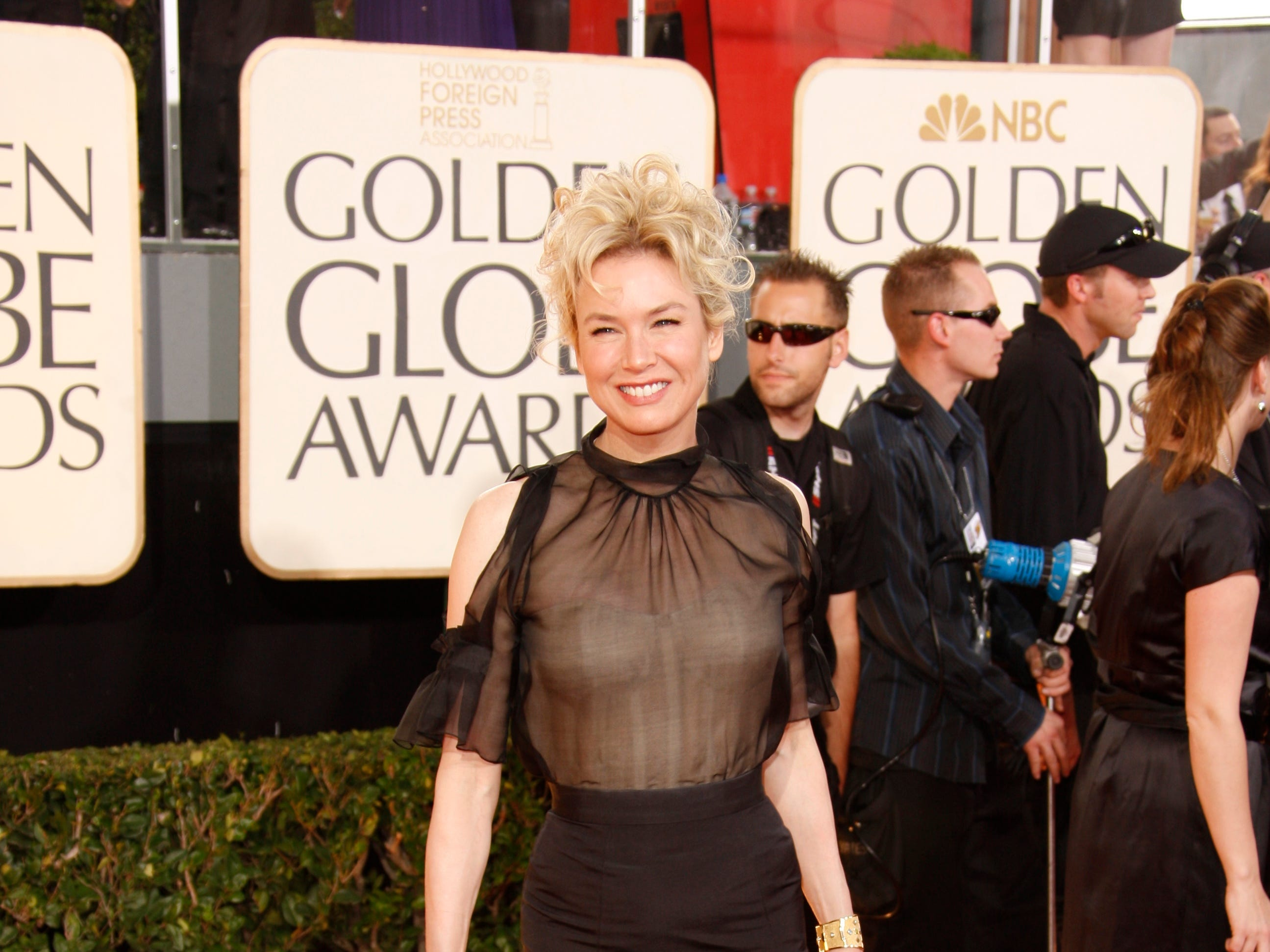1/11/09 5:52:24 PM -- Beverly Hills, CA, U.S.A  Rene Zellweger--arrives at the 66th annual Golden Globe Awards at the Beverly Hilton Hotel in Beverly Hills, CA   Photo by Dan MacMedan, USA TODAY contract photographer   ORG XMIT: DM 35663 d golden globe a 1/10/2009  (Via MerlinFTP Drop)