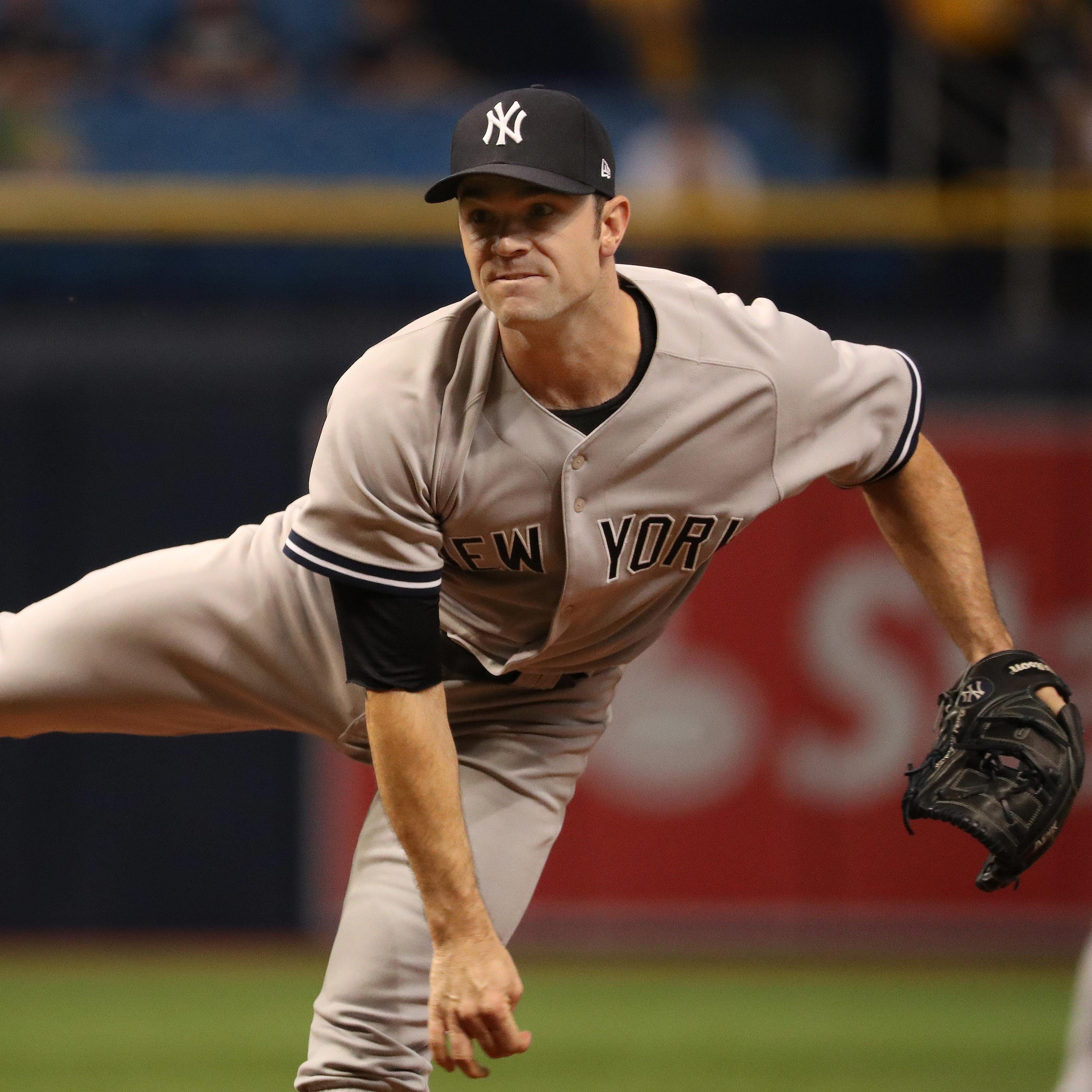 Phillies sign reliever David Robertson to two-year contract