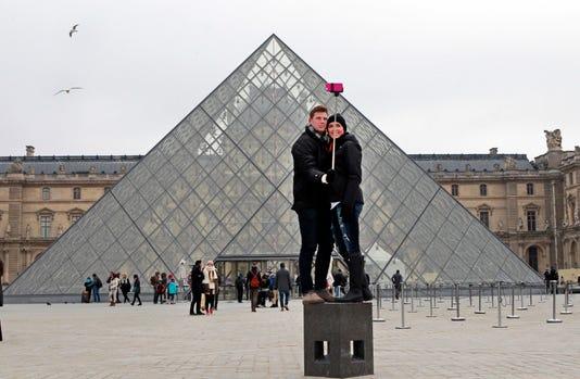 Ap France Tourism Louvre I File Fra