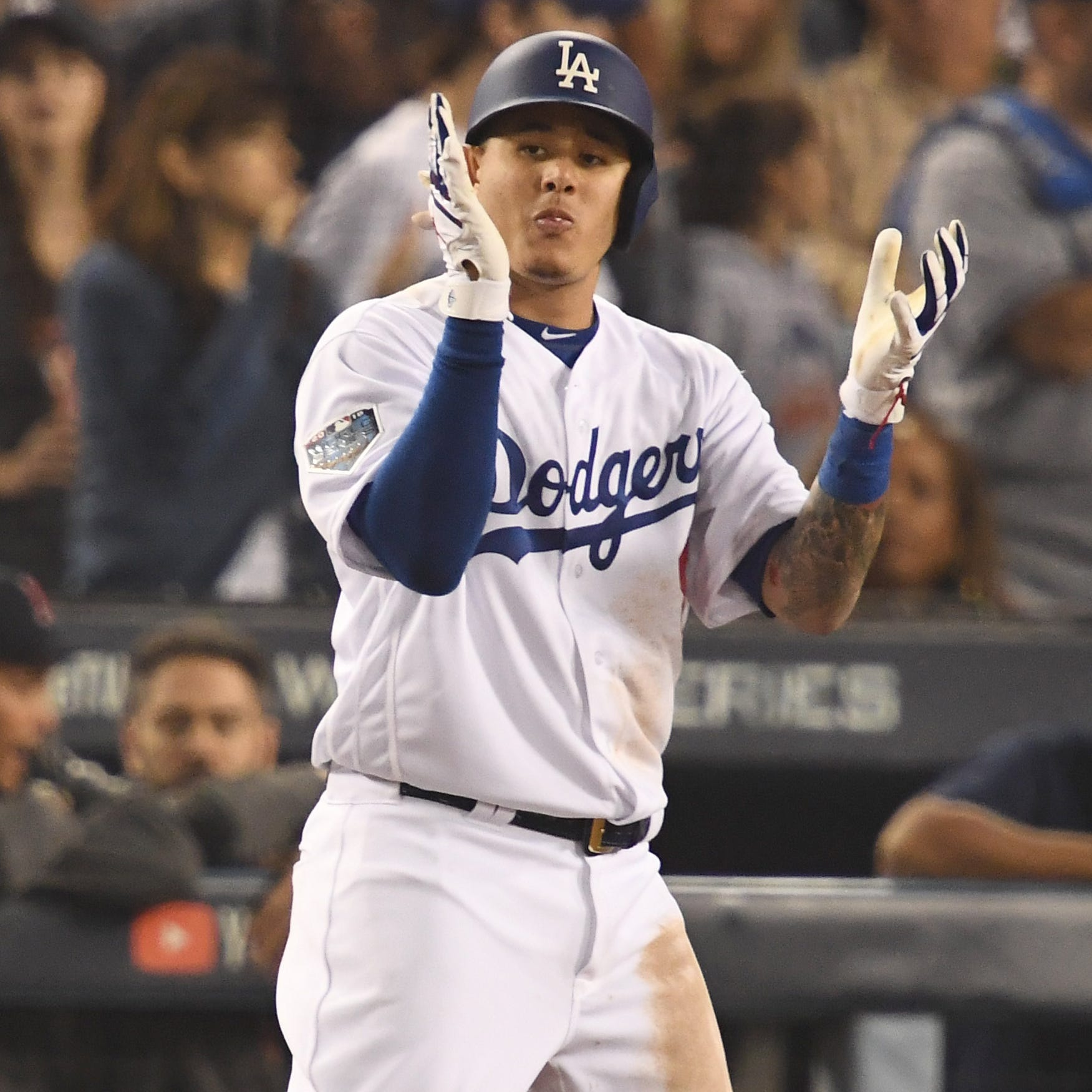 Manny Machado gets formal offer from White Sox; talks heat up with Bryce Harper