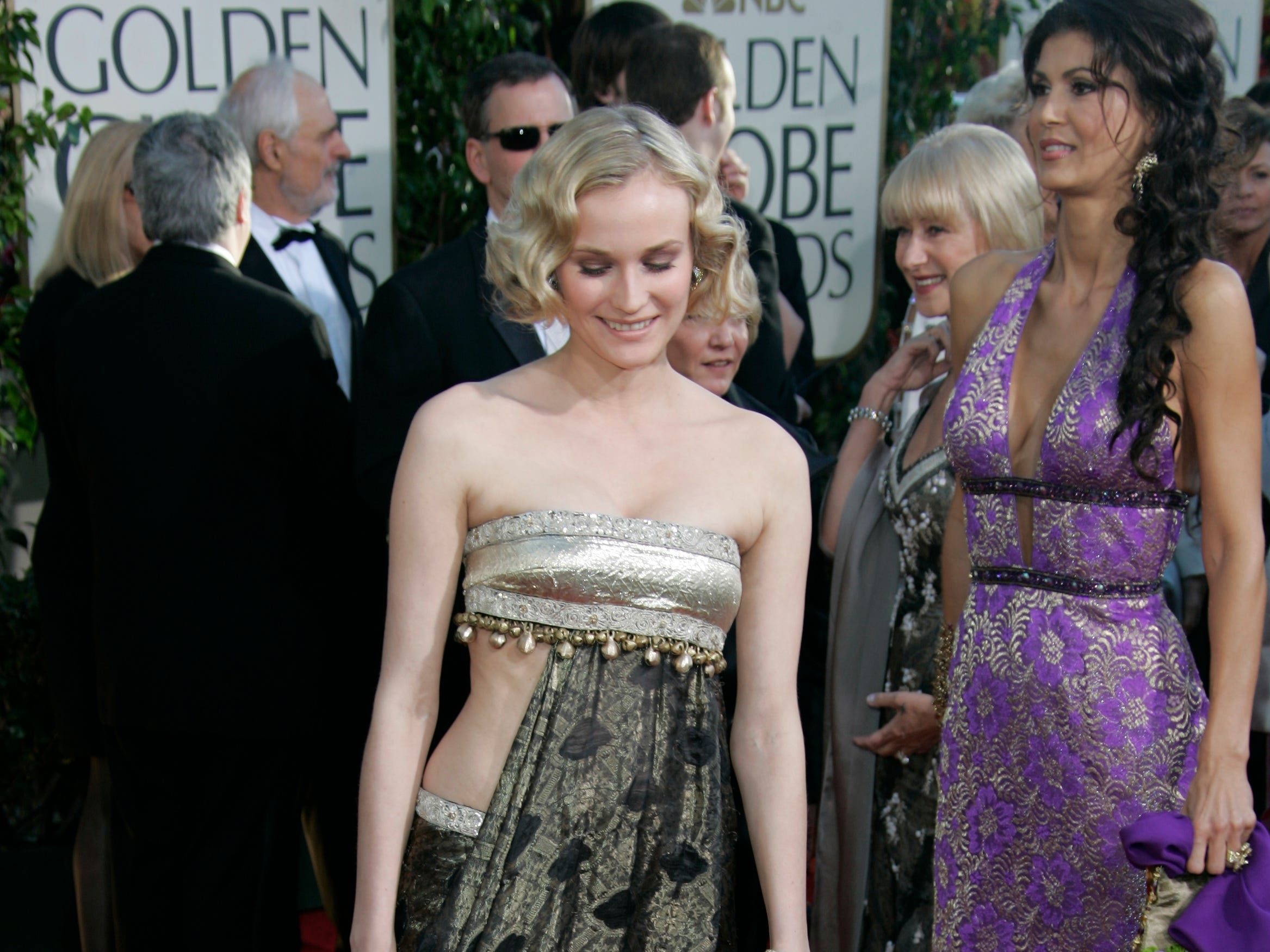 1/16/2005: Golden Globe Awards -- Beverly Hills, CA --   Diane Kruger makes an arrival on the red carpet at the Beverly Hilton Hotel for the Golden Globe Awards. (photo by Dan MacMedan, USA TODAY) (Via MerlinFTP Drop)