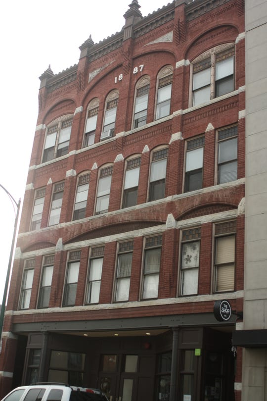 A building on 217-219 Washington Street is up for sale.