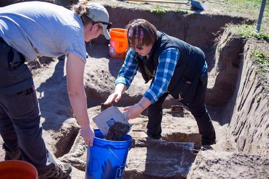 MAIN2464624002 Exhumations In Falfurrias01