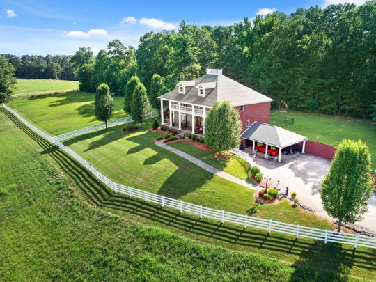 3040 Seven Mile Ferry Road sold for $620,000 in 2018.