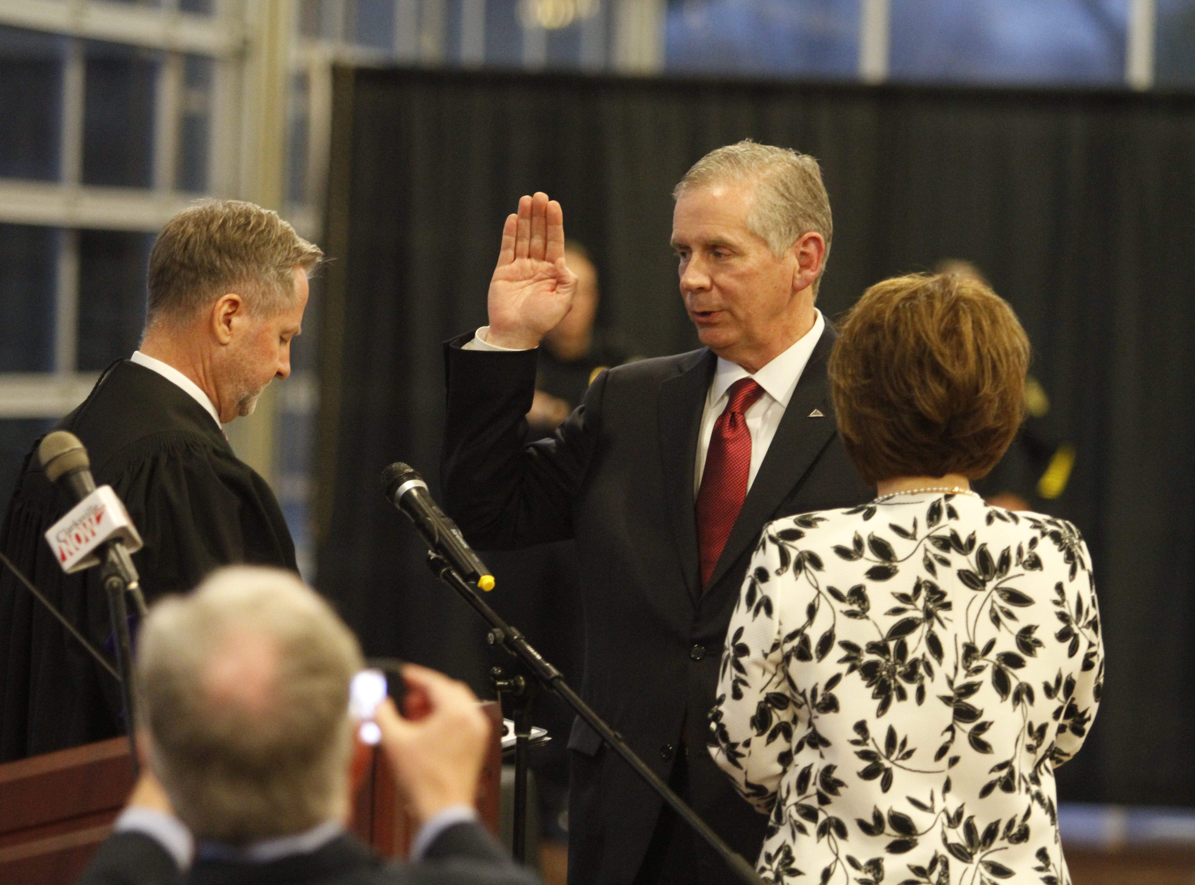 Judge Tim Barnes swears in Mayor Joe Pitts on Wednesday, Jan. 2, 2019, at the Wilma Rudolph Event Center.