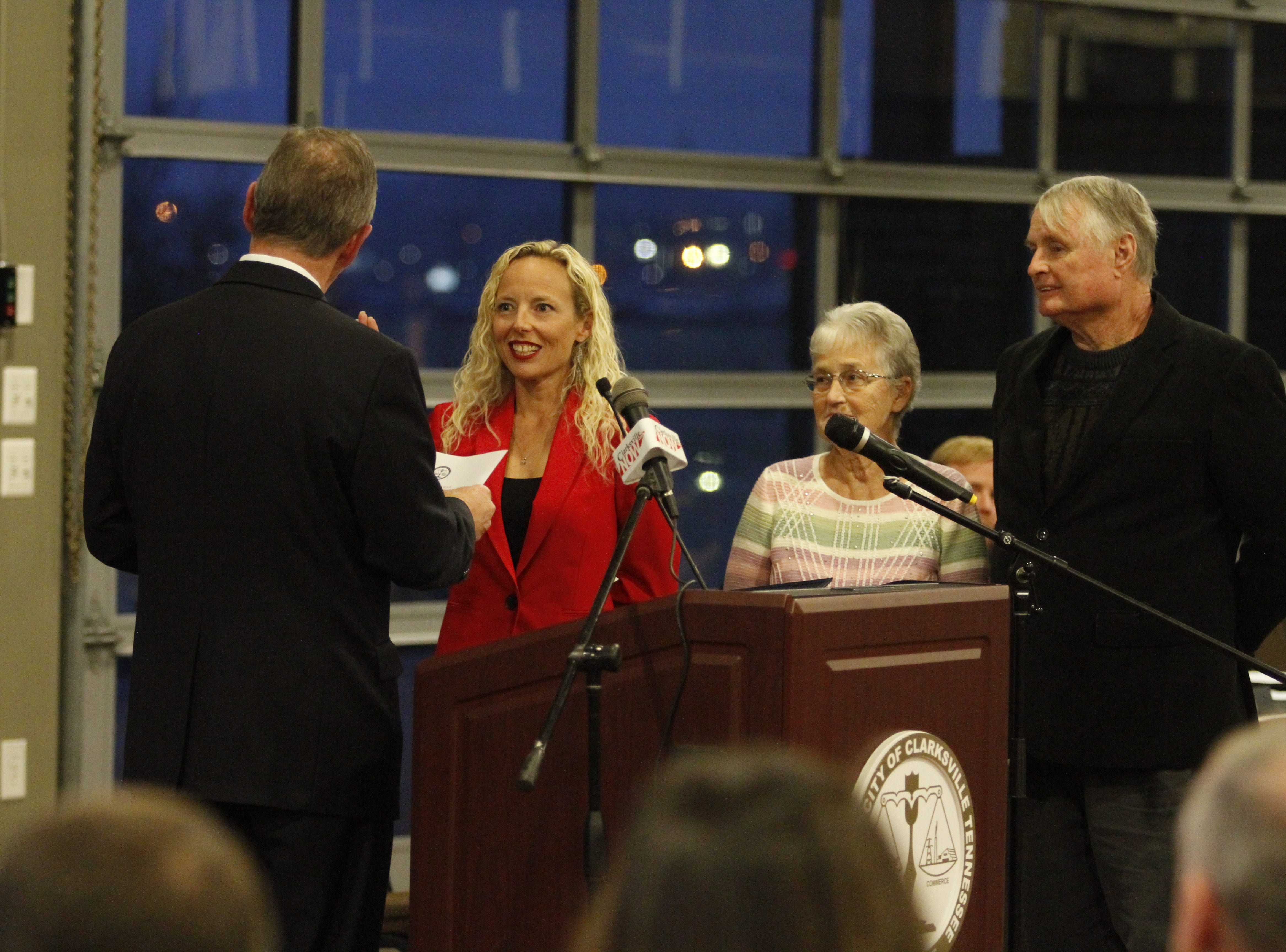 Mayor Joe Pitts swears in Ward 10 City Councilwoman Stacey Streetman on Wednesday, Jan. 2, 2019, at the Wilma Rudolph Event Center.
