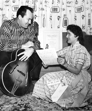 Singer-songwriter Don Gibson and his wife Polly Bratcher Gibson, January 12, 1958. A bitter divorce ended their marriage in July 1963.  (KNS Archive)