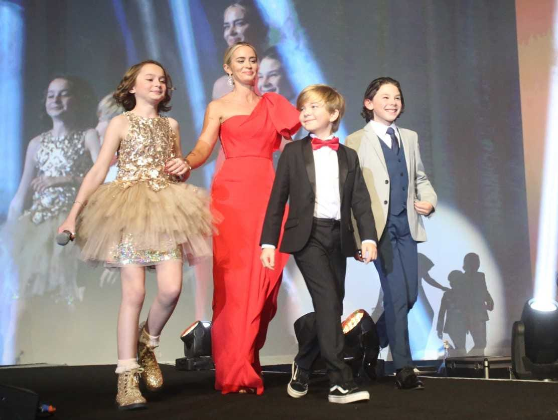 "Emily Blunt and the children from ""Mary Poppins"" at the Palm Springs International Film Festival on Jan. 3, 2019."