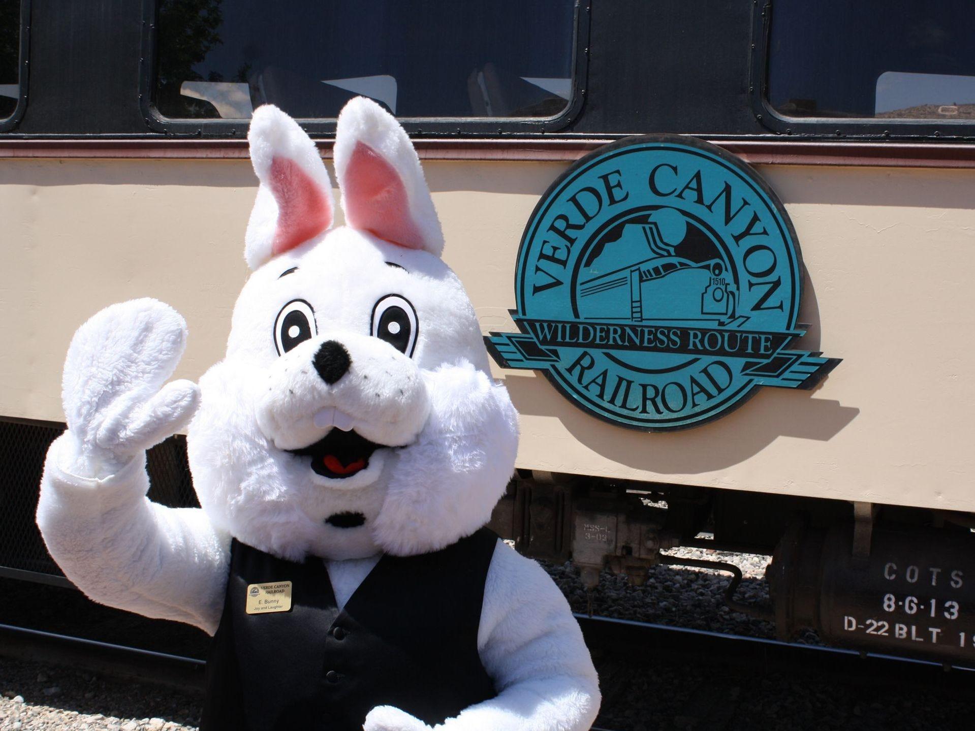 Celebre la Pascua tomando un paseo en el especial Bunny Express del Verde Canyon Railroad.