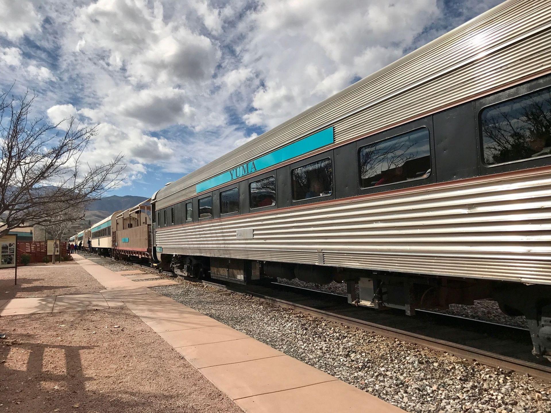 El ferrocarril de Verde Canyon tiene autocares y coches de primera clase.