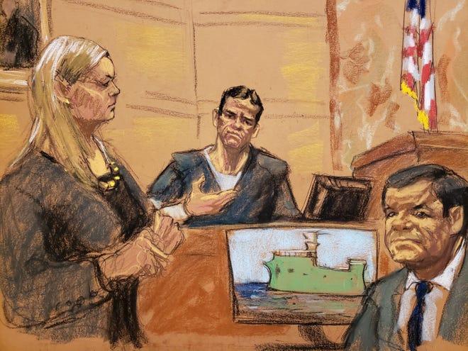 """Reproducción fotográfica de un dibujo realizado por la artista Jane Rosenberg donde aparecen Amanda Liskamm (i), asistente del Fiscal de Estados Unidos, Adam Fels; Vicente Zambada (c), hijo de Ismael """"El Mayo"""" Zambada y uno de los testigos principales en el juicio por narcotráfico contra Joaquín """"El Chapo"""" Guzmán, y Joaquín """"El Chapo"""" Guzmán (d), durante la continuación del juicio por narcotráfico."""