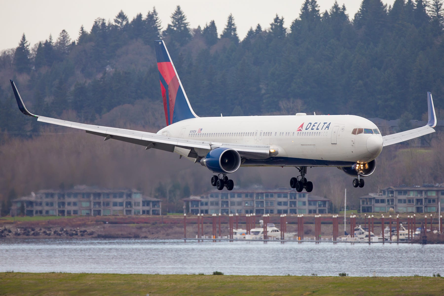 Delta, United announce change fee updates for flights amid coronavirus concerns